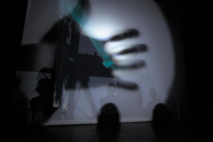 Oren Ambarchi & Robbie Avenaim - Clockwork